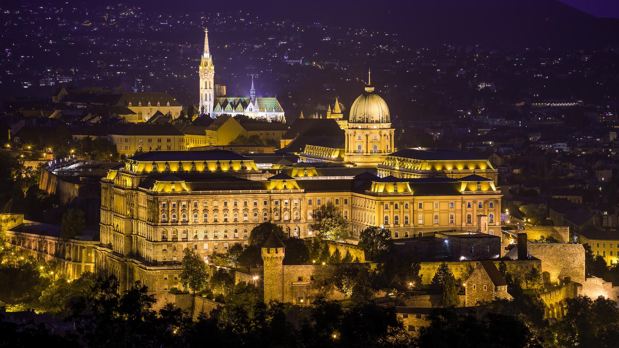 Budai Vár éjszaka a Citadelláról